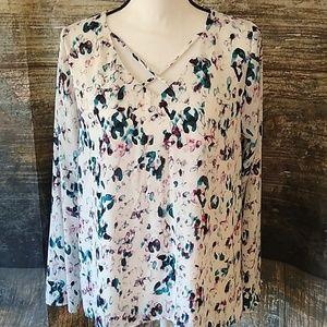 Apt. 9 watercolor long sleeve blouse